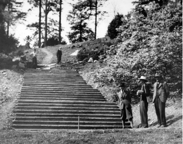 Construction-of-Percy-Cane_s-steps-Photo-The-Dartington-Hall-Trust-Archive